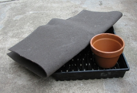 Self Watering Tray_03