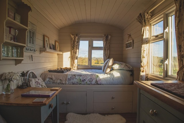 Guest Post – What is a Tiny House and How You Can Get One by Molli